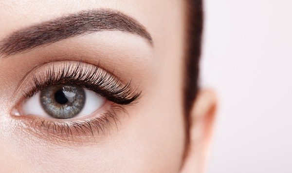 lash lifts for woman
